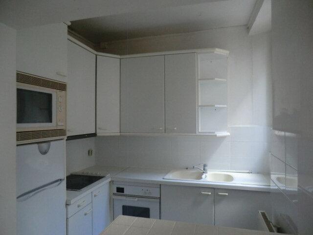 Appartement à louer 2 53.79m2 à Vanves vignette-3