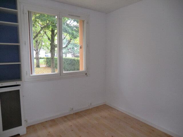 Appartement à vendre 3 67.17m2 à Clamart vignette-4