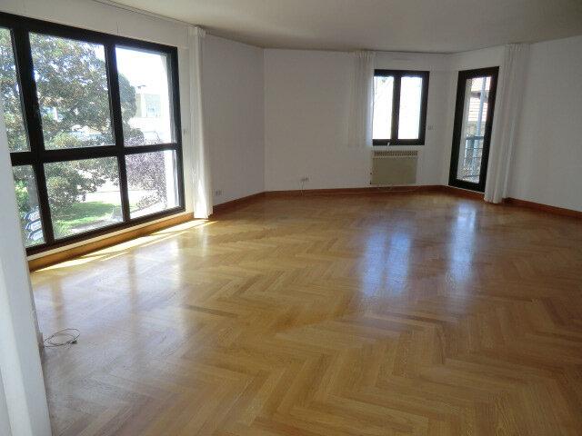 Appartement à louer 4 101.2m2 à Vanves vignette-2