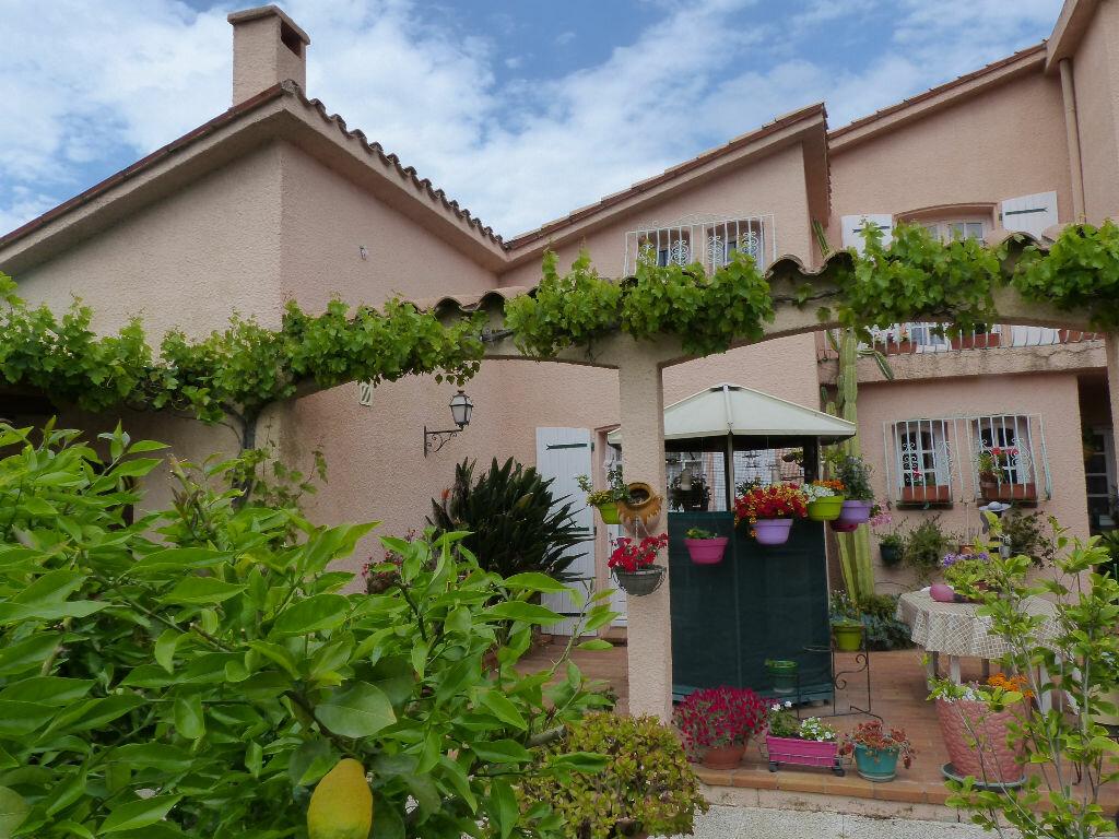 Maison à vendre 10 250m2 à Pia vignette-2