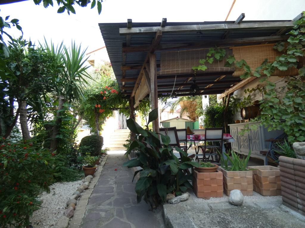 Maison à vendre 4 105m2 à Perpignan vignette-1