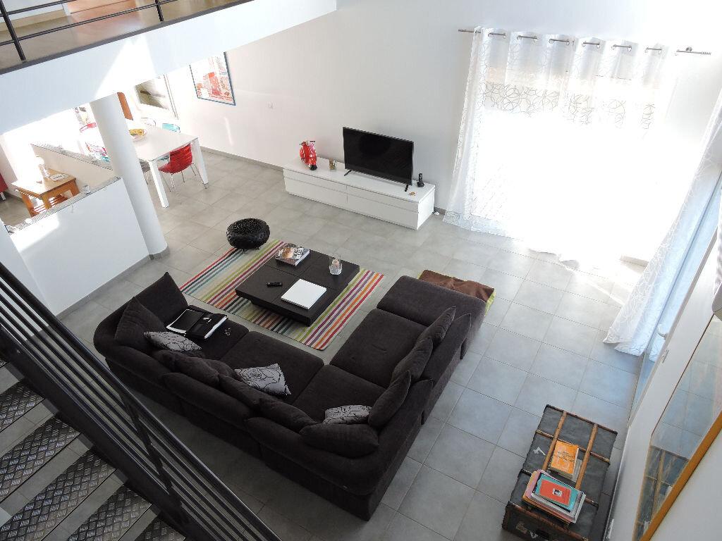 Maison à louer 5 140m2 à Rivesaltes vignette-1