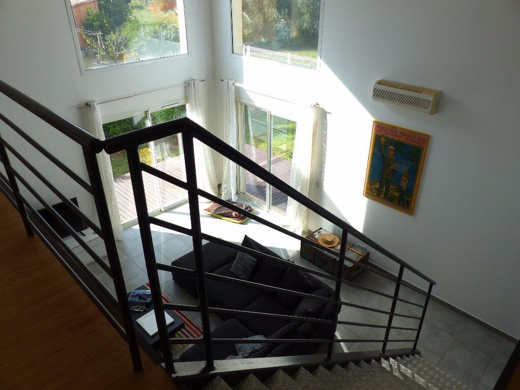 Maison à louer 5 140m2 à Rivesaltes vignette-5