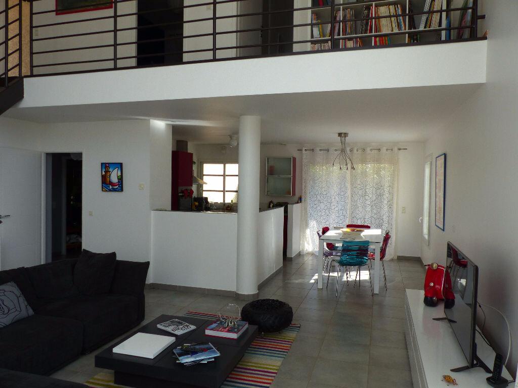 Maison à louer 5 140m2 à Rivesaltes vignette-10