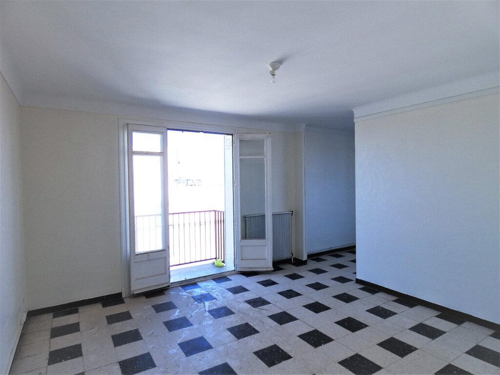 Appartement à louer 2 65m2 à Perpignan vignette-1
