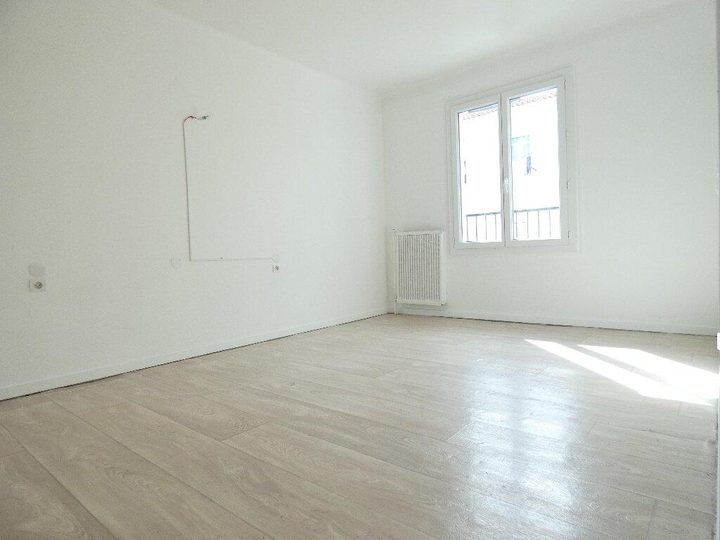 Appartement à louer 4 85m2 à Perpignan vignette-1