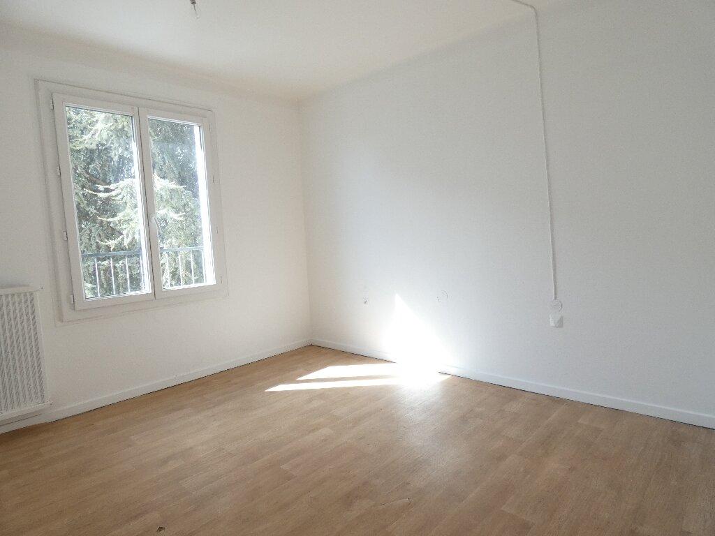 Appartement à louer 4 85m2 à Perpignan vignette-3