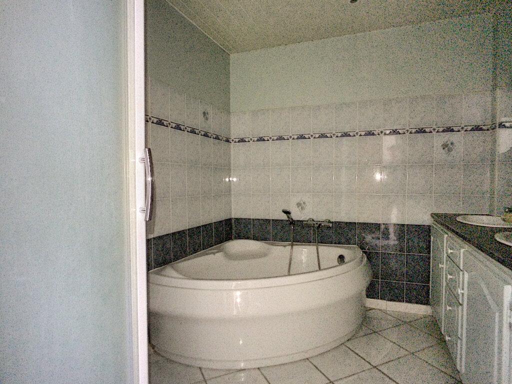 Maison à vendre 6 172m2 à Baixas vignette-5