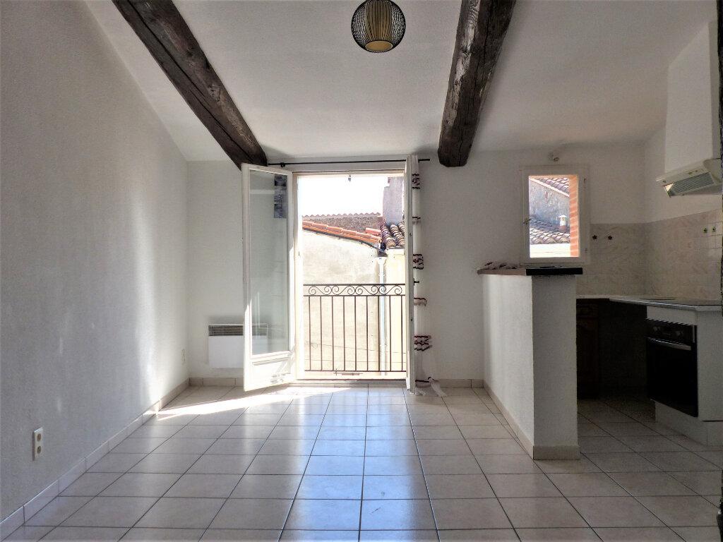 Appartement à louer 2 45m2 à Rivesaltes vignette-1