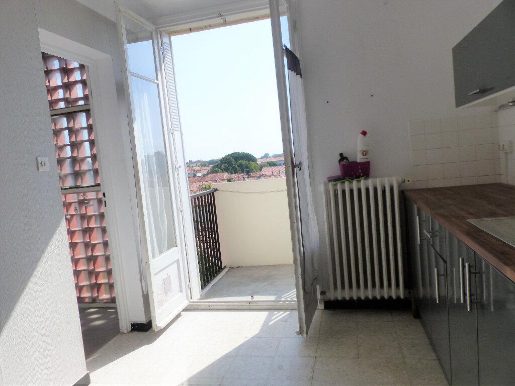 Appartement à louer 3 66m2 à Perpignan vignette-1