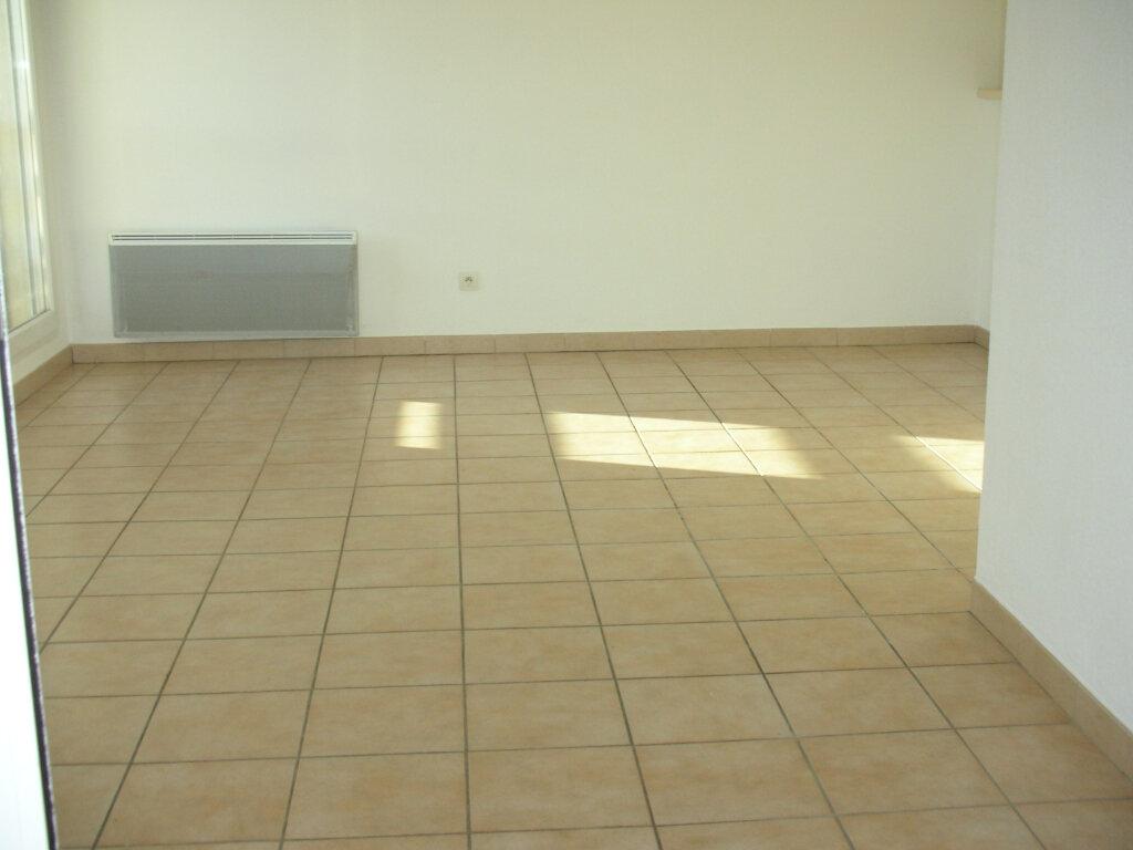 Appartement à louer 4 70.94m2 à Perpignan vignette-5