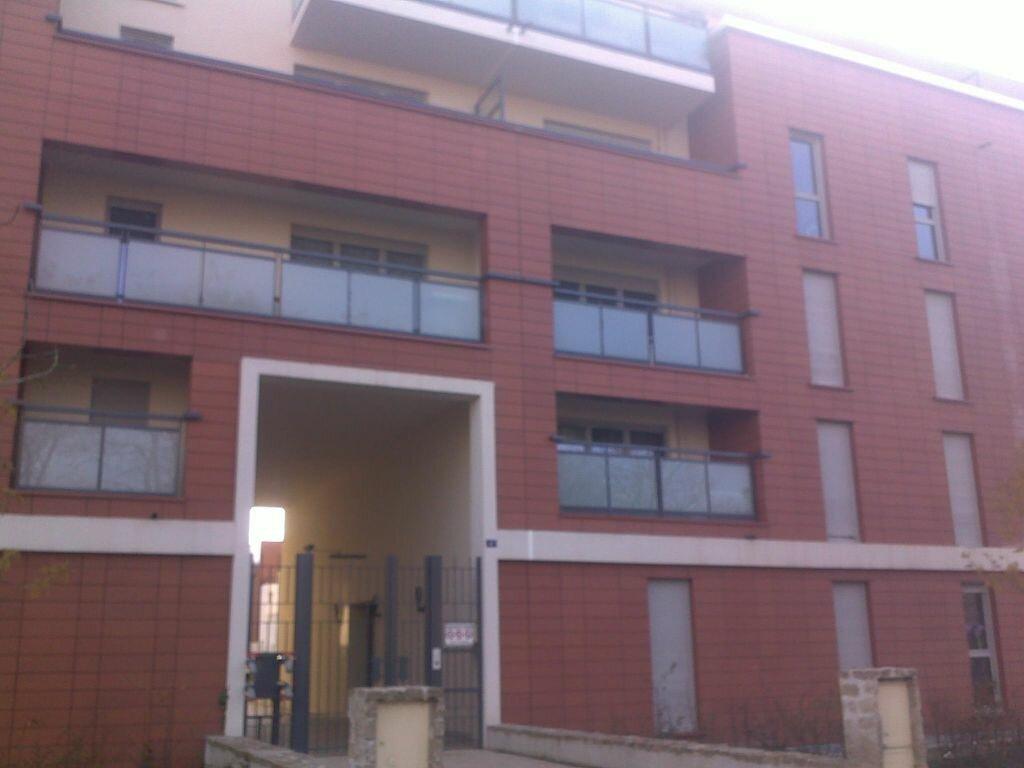 Appartement à louer 3 58m2 à Noisiel vignette-2