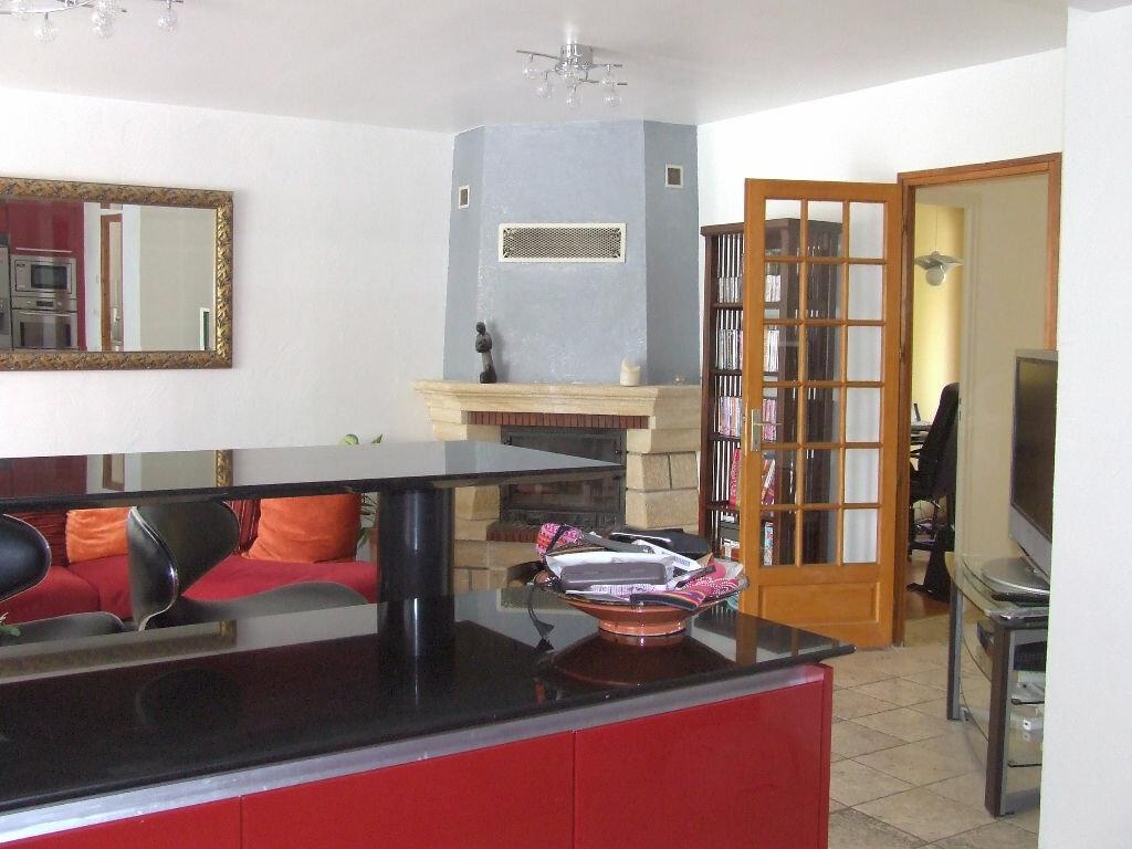 Maison à louer 7 167m2 à Saint-Thibault-des-Vignes vignette-1