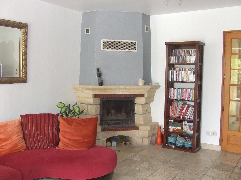 Maison à louer 7 167m2 à Saint-Thibault-des-Vignes vignette-3