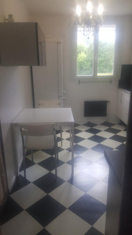 Appartement à louer 1 11m2 à Champs-sur-Marne vignette-6