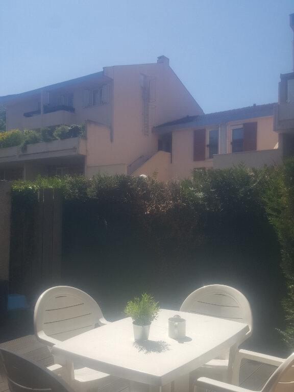 Appartement à louer 3 67m2 à Champs-sur-Marne vignette-3