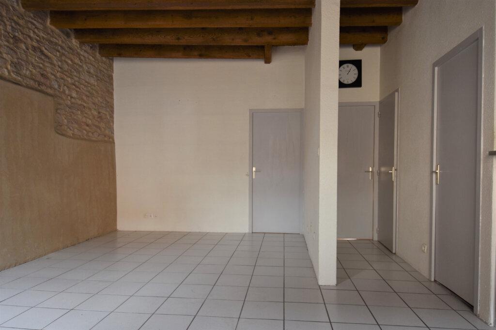 Appartement à louer 3 58m2 à Mâcon vignette-2