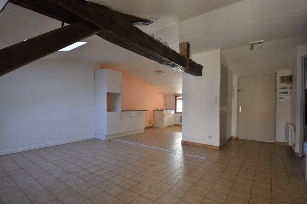Appartement à louer 3 52.34m2 à Cluny vignette-1