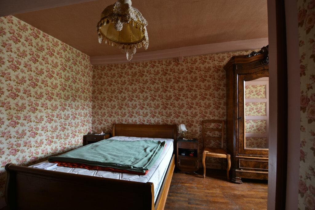 Maison à vendre 10 194.14m2 à Saint-Gengoux-de-Scissé vignette-4