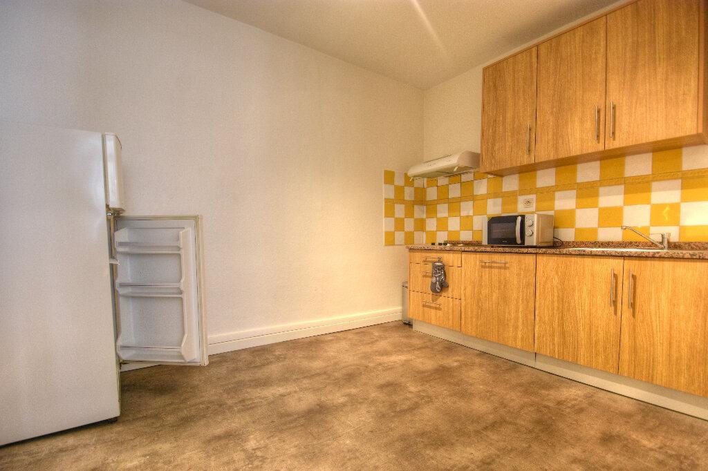 Appartement à louer 2 47.09m2 à Mâcon vignette-4
