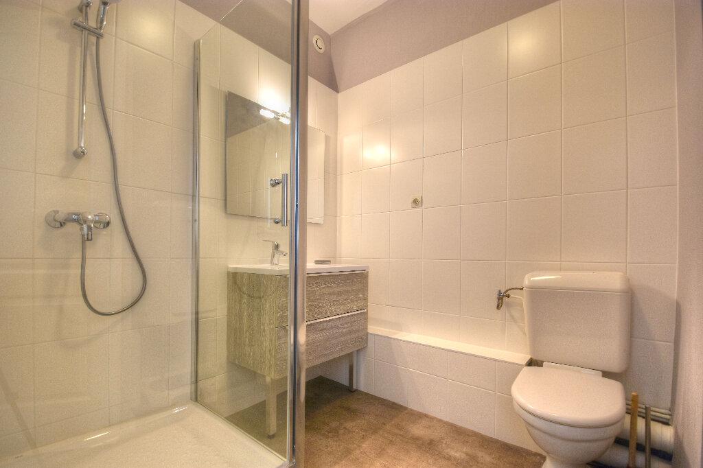 Appartement à louer 2 47.09m2 à Mâcon vignette-5