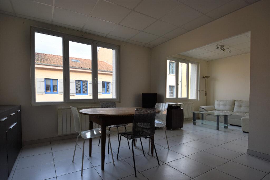 Appartement à louer 3 75m2 à Saint-Laurent-sur-Saône vignette-3