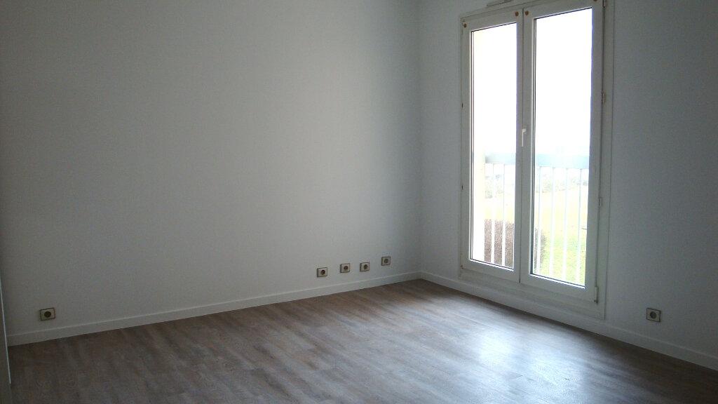 Appartement à louer 1 30.8m2 à Longjumeau vignette-2