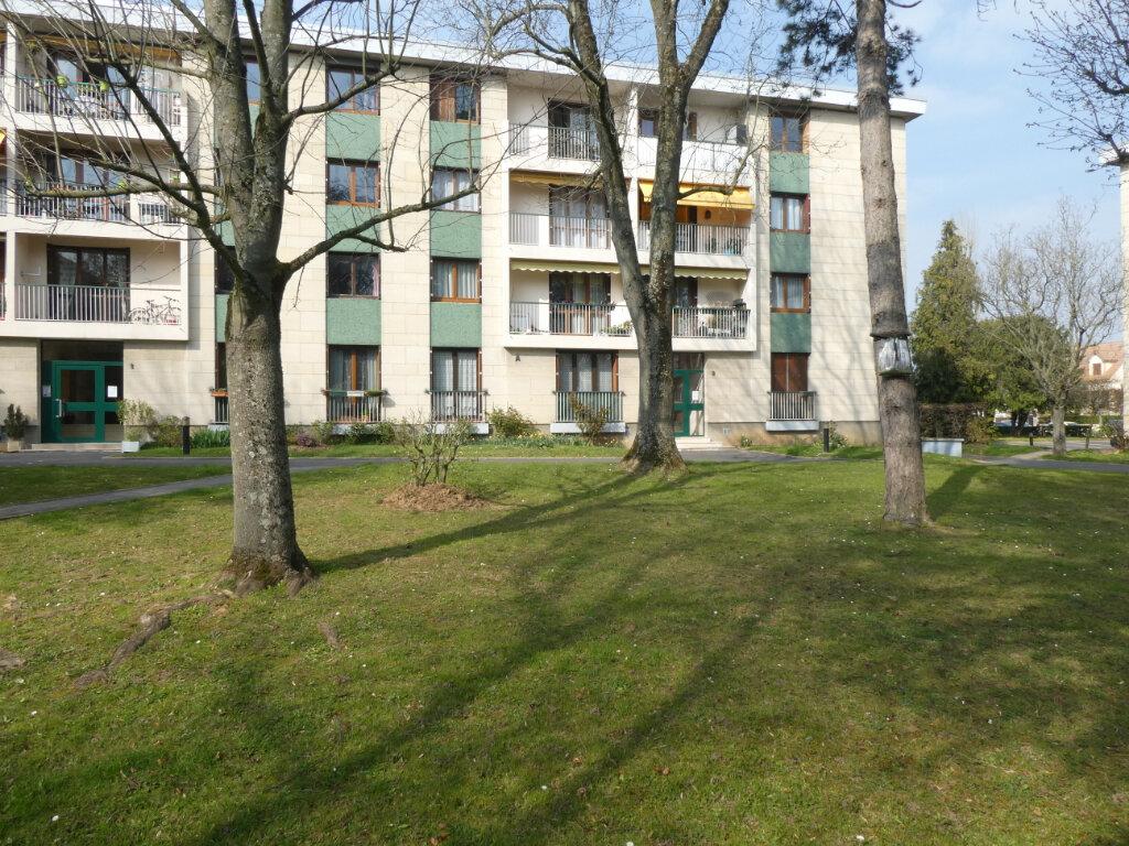 Appartement à louer 3 68.46m2 à Wissous vignette-1