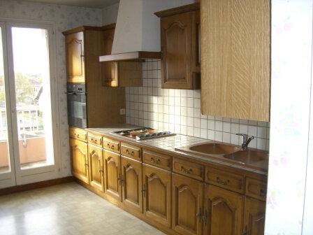 Appartement à louer 3 61m2 à Vonnas vignette-2