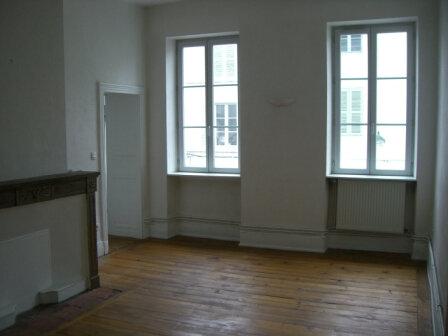 Appartement à louer 3 67.83m2 à Bourg-en-Bresse vignette-1