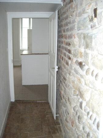 Appartement à louer 3 67.83m2 à Bourg-en-Bresse vignette-3