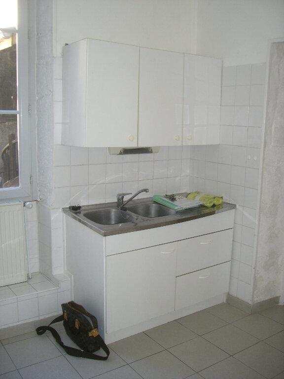 Appartement à louer 3 67.83m2 à Bourg-en-Bresse vignette-4