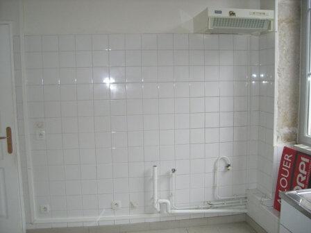 Appartement à louer 3 67.83m2 à Bourg-en-Bresse vignette-5