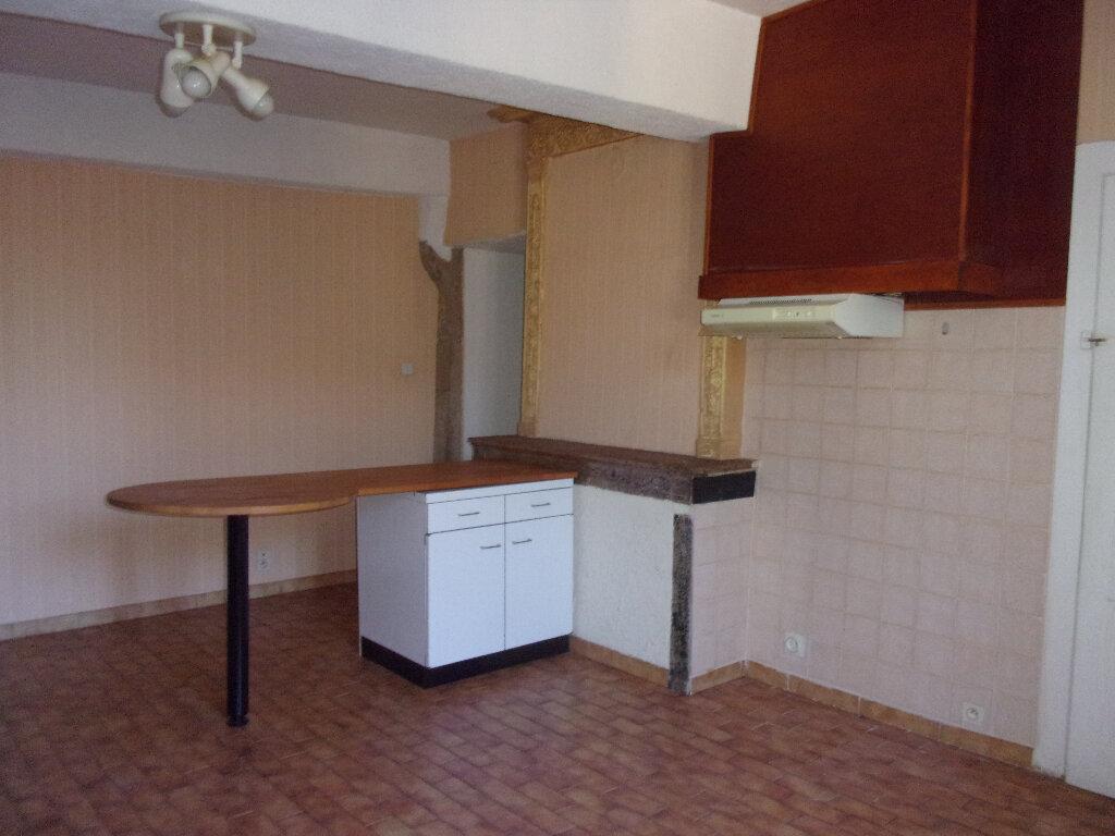 Appartement à louer 3 71.07m2 à Ceyzériat vignette-2