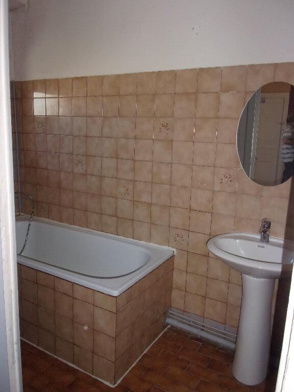 Appartement à louer 3 71.07m2 à Ceyzériat vignette-4
