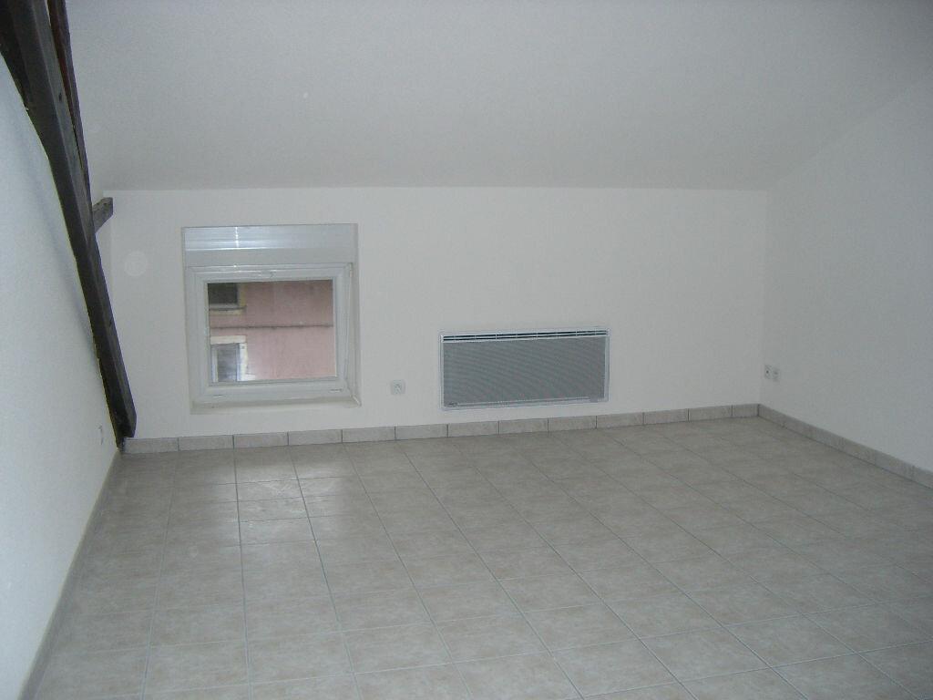 Appartement à louer 2 36m2 à Bourg-en-Bresse vignette-4
