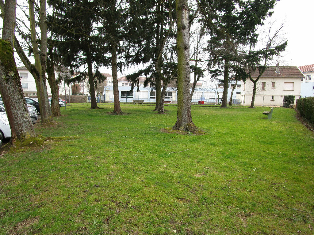 Appartement à louer 1 30m2 à Bourg-en-Bresse vignette-4