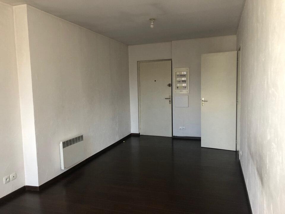 Appartement à louer 2 39.35m2 à Hauteville-Lompnes vignette-2
