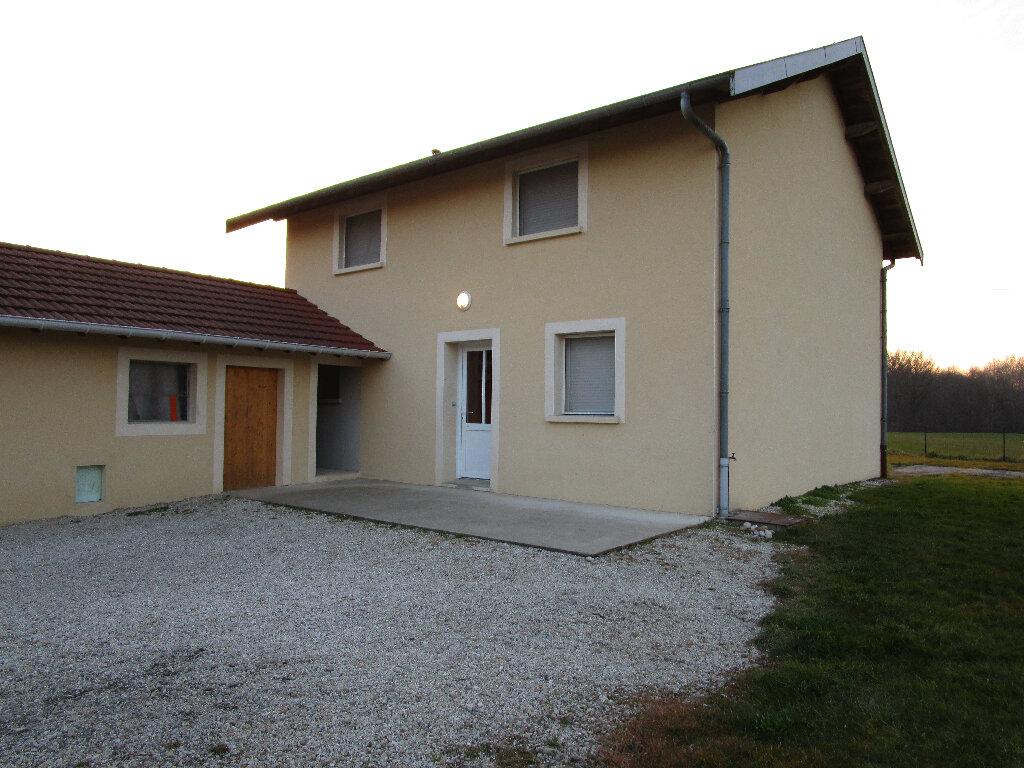 Maison à louer 4 128.75m2 à Saint-Nizier-le-Bouchoux vignette-5