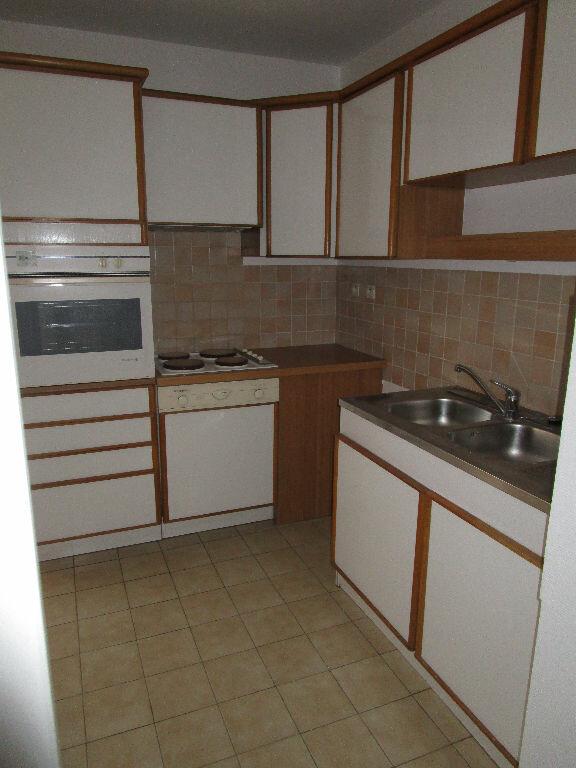 Appartement à louer 3 79m2 à Montrevel-en-Bresse vignette-2