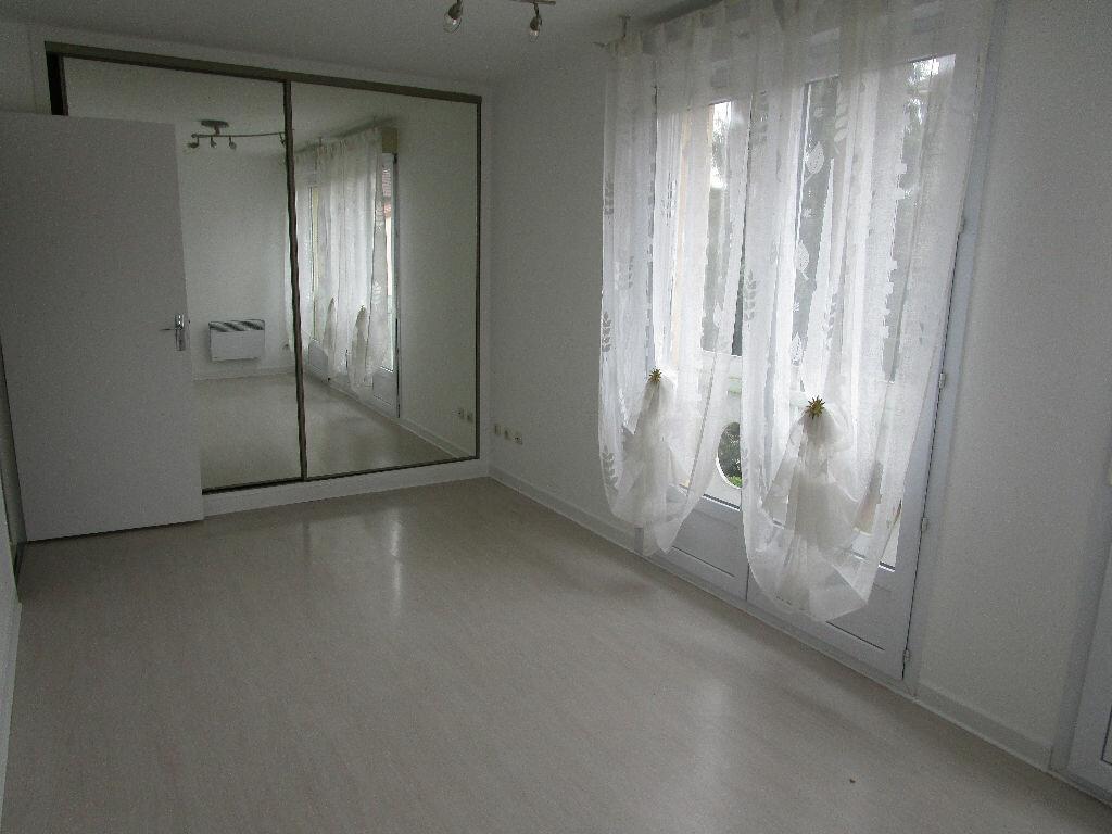 Appartement à louer 3 79m2 à Montrevel-en-Bresse vignette-3