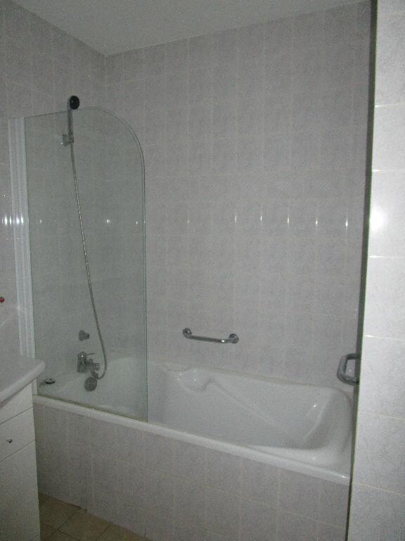 Appartement à louer 3 79m2 à Montrevel-en-Bresse vignette-4