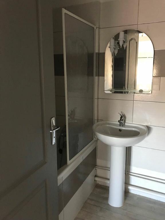 Appartement à louer 1 30m2 à Hauteville-Lompnes vignette-5