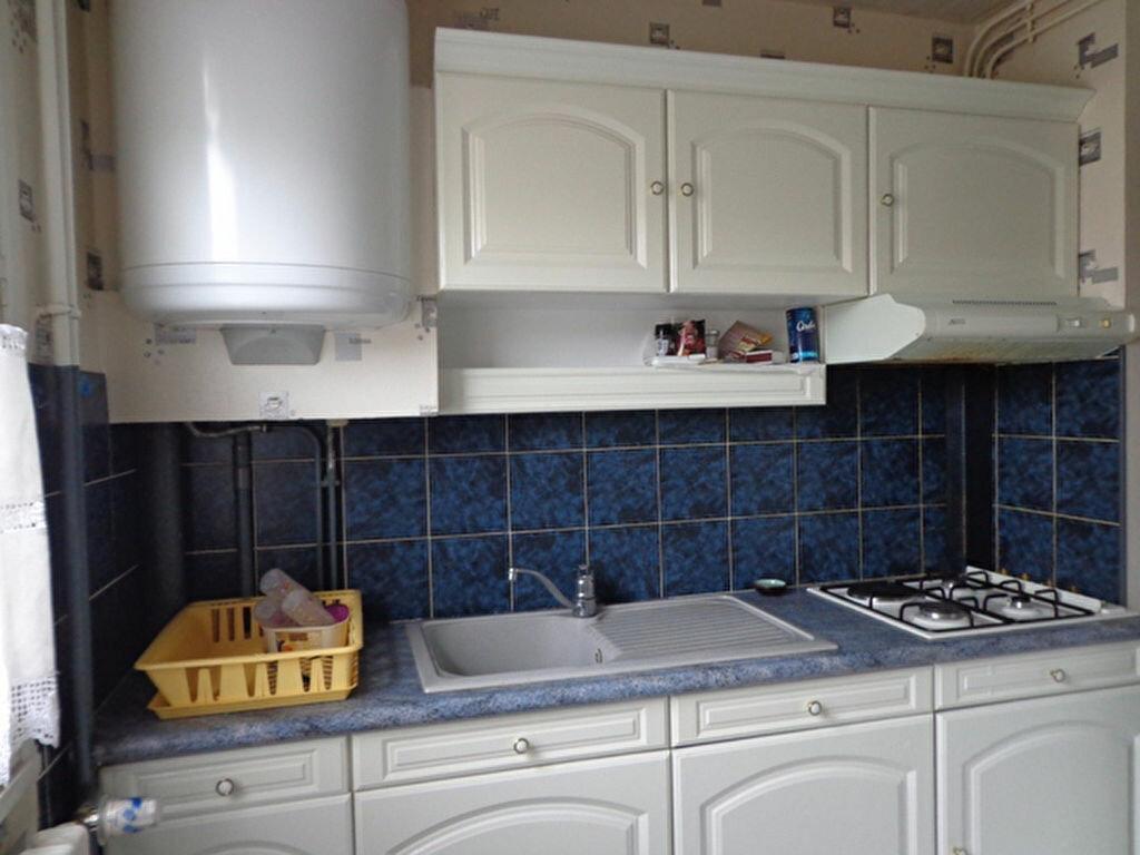 Appartement à louer 3 70m2 à Bourg-en-Bresse vignette-1