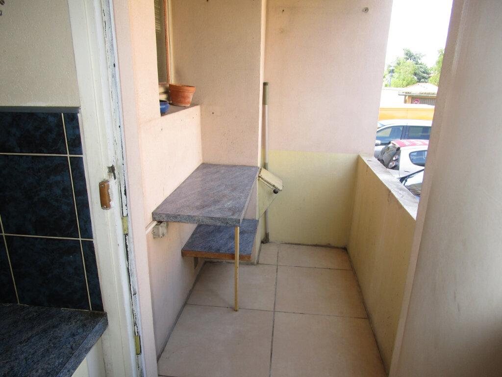 Appartement à louer 3 70m2 à Bourg-en-Bresse vignette-3