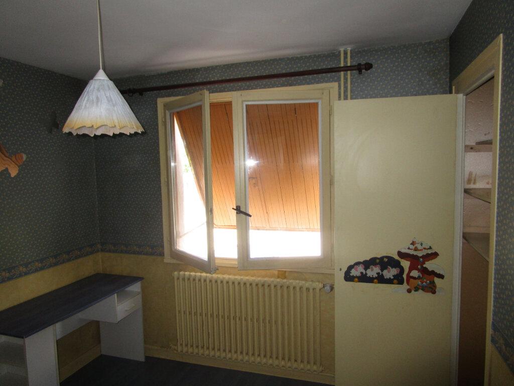 Appartement à louer 3 70m2 à Bourg-en-Bresse vignette-5