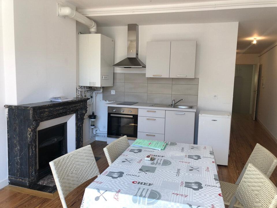Appartement à louer 2 40m2 à Saint-Amour vignette-2
