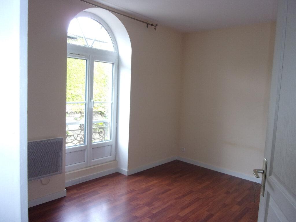 Maison à louer 3 66m2 à Pont-de-Vaux vignette-5