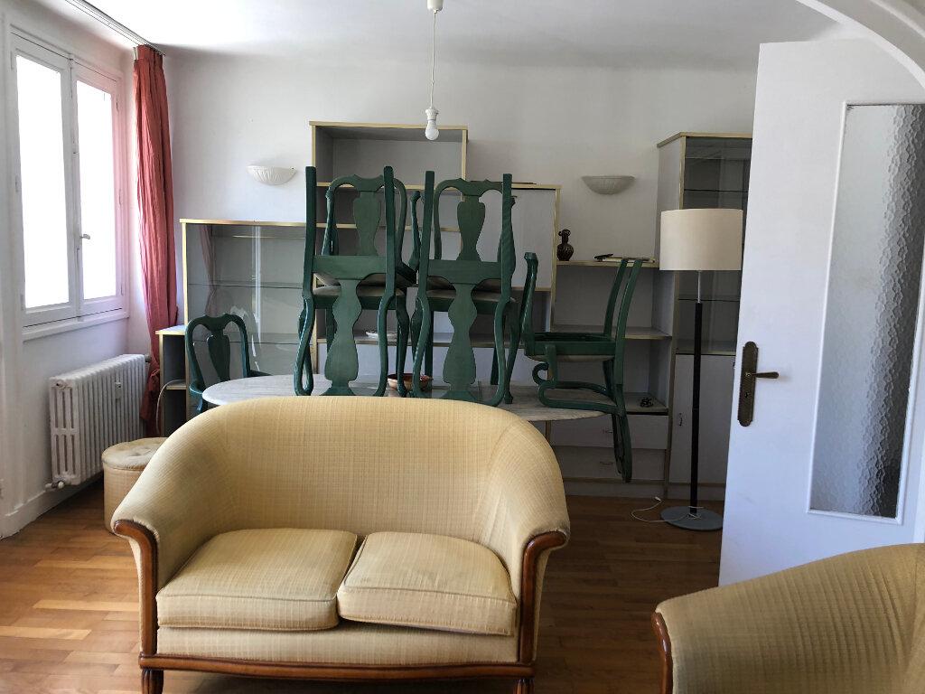 Appartement à louer 4 70m2 à Bourg-en-Bresse vignette-6