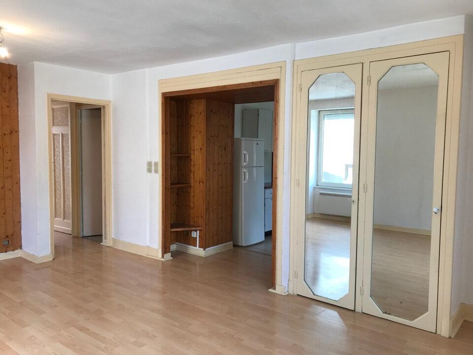 Appartement à louer 3 72m2 à Hauteville-Lompnes vignette-4